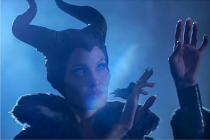 Sneak Peek of Disney's MALEFICENT Features New Lana Del Rey Song!!!