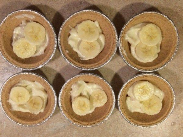 Mini Banana splits pie step 2