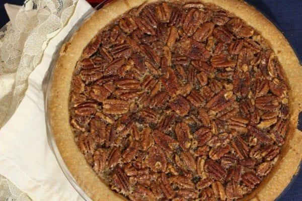 Traditional-Pecan-Pie-Recipe-700x467