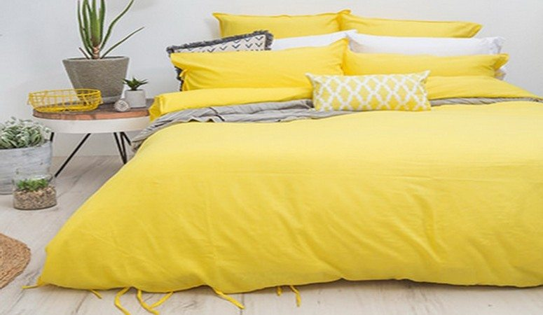 """13 tricks to get """"Bright Yellow"""" in your room"""