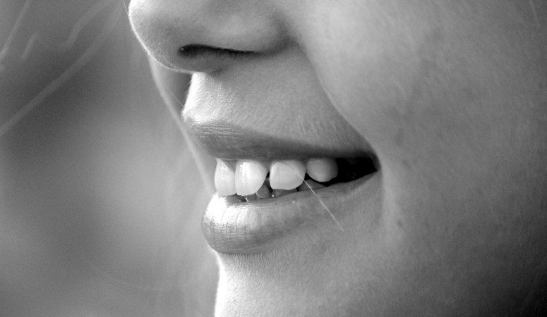 Ouch My Chipped Tooth: What to Do Until You Get to the Dentist