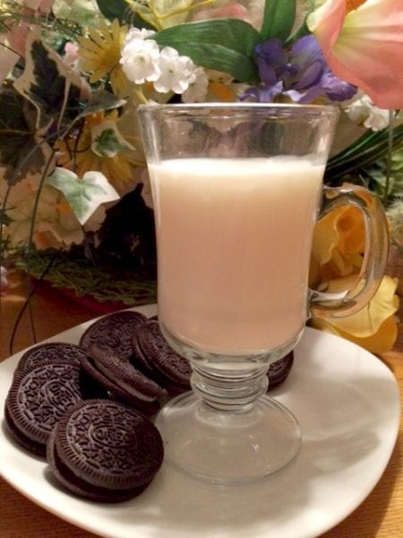 oreo-milk-and-cookies