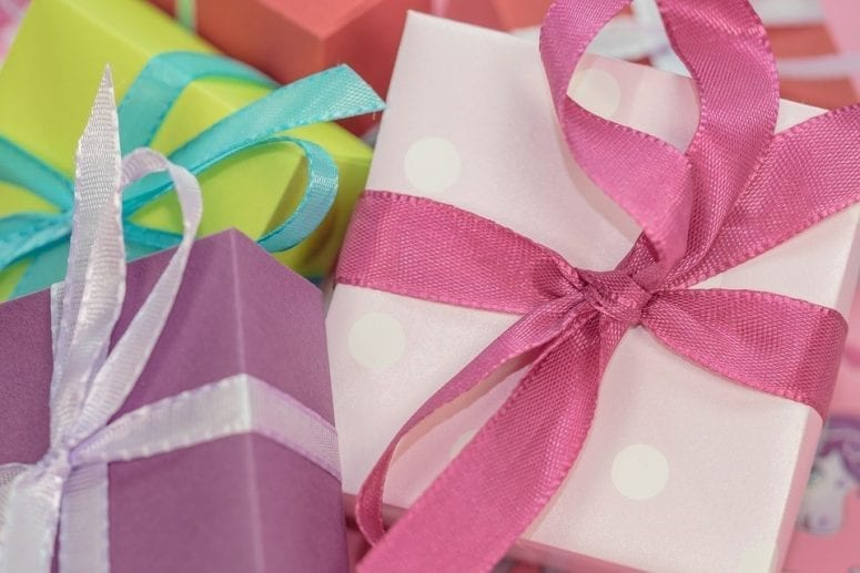 Simple Ways to Save Money on Your Christmas Presents This Year