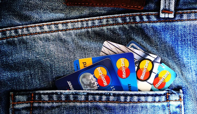 Don't Fall Into Debt: Easy Ways To Avoid It