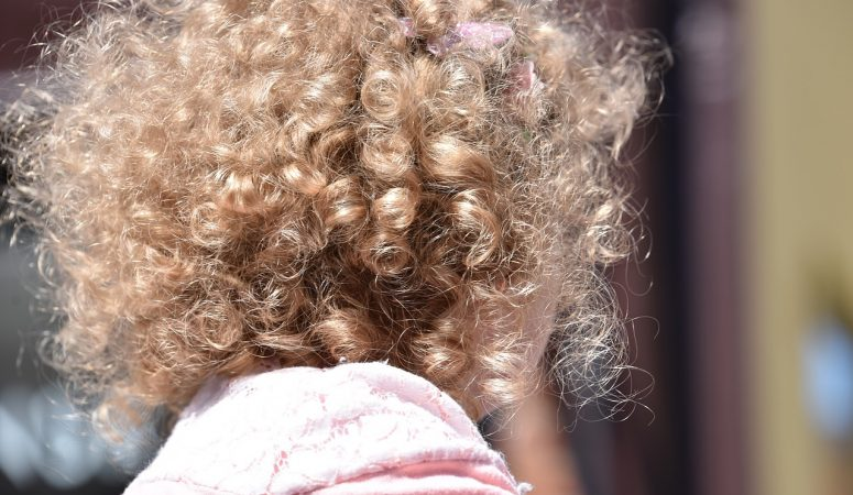 How to Make Your Curly Hair Expand Faster Naturally