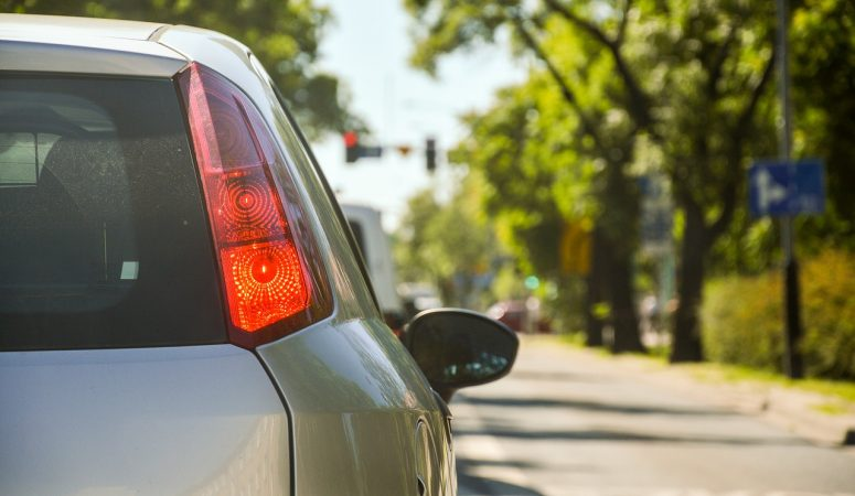 Good Mornings, Better Days: Sane Ways to Manage Your Commute to Work