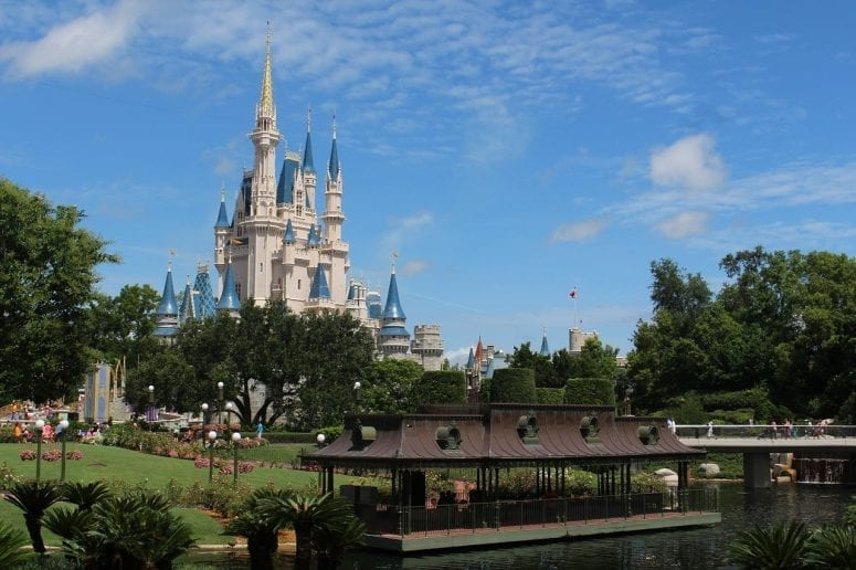 5 Ways to Plan an Orlando Family Vacation on a Budget