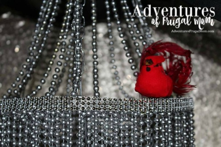 How to Make A Photo Booth Chandelier