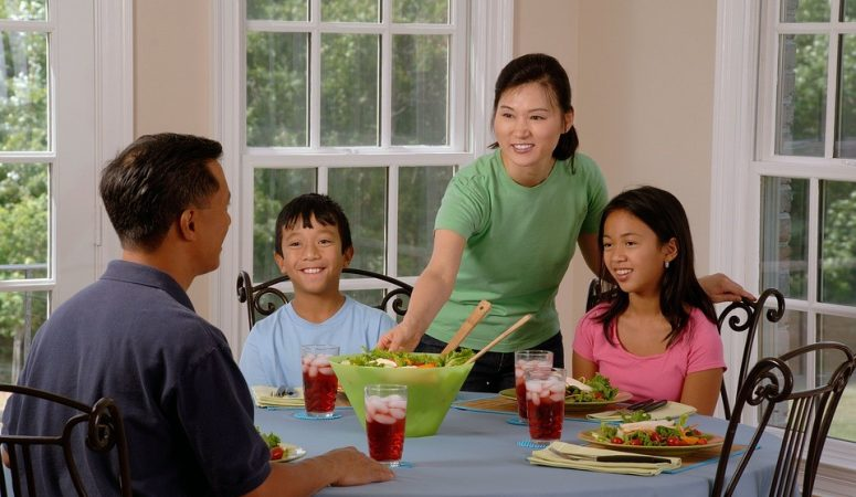 7 Kitchen Tips for Feeding a Busy Family