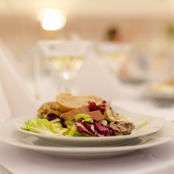 Wedding Food Offerings: Mistakes to Avoid When Selecting a Menu