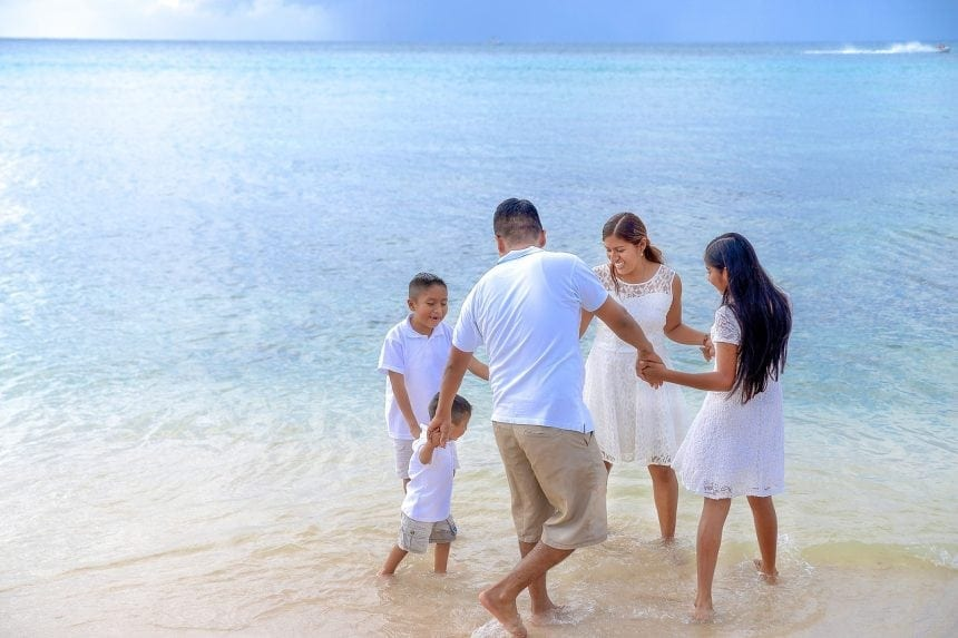How to Travel with Your Family on a Tight Budget
