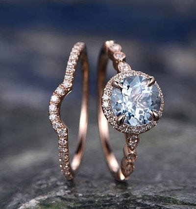 How to Decide Whether to Buy a Bridal Set or an Engagement Ring